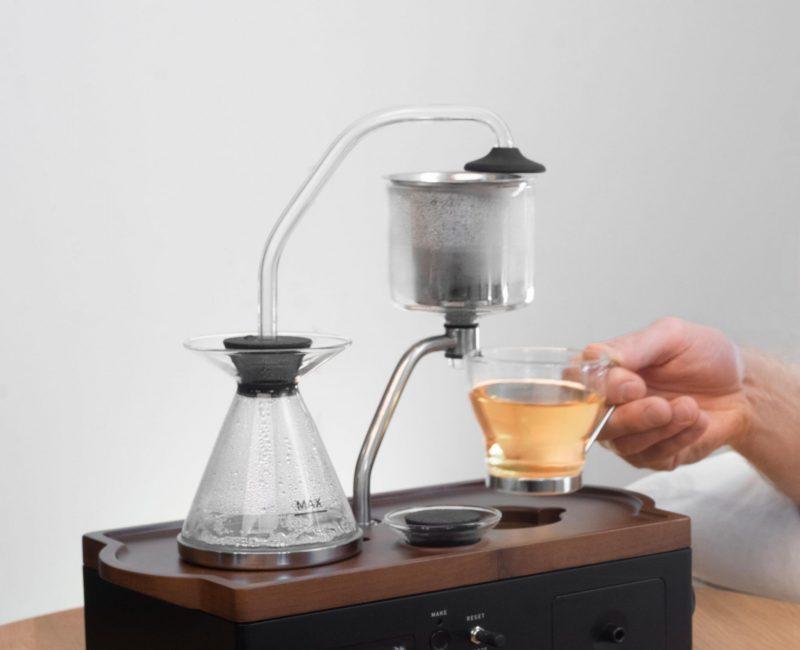 tea-with hand